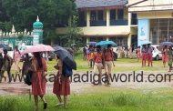 ನಿರ್ಭಯವಾಗಿ ಪರೀಕ್ಷೆ ಬರೆದು 'ಕೊರೋನಾ ಬ್ಯಾಚ್ ಪಾಸ್' ಎಂಬ ಹಣೆಪಟ್ಟಿ ಕಳಚಿಕೊಂಡ SSLC ವಿದ್ಯಾರ್ಥಿಗಳು